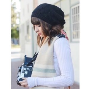 Accessories - Black slouchy knit beanie